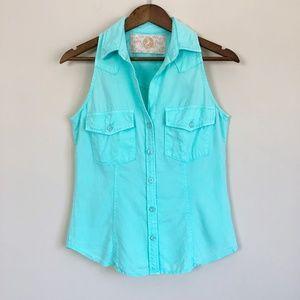 3/$30 Bella Dahl Blue Sleeveless Buttondown 77
